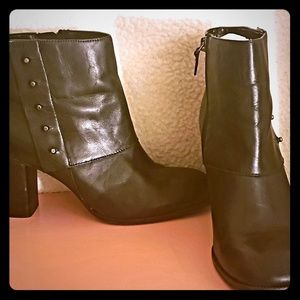 Black Bandolino leather booties